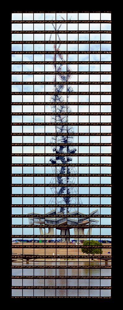 Gab Arte k2o art Thomas Kellner.Torre de TV de Brasília, Lucio Costa.Brasília, Brasil.136x54cm.2007