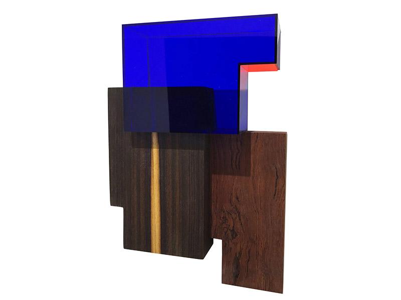 GaKO. art. Henrik Eiben. Cheka. Madeira e acrílico. 40x26x8cm. 2018