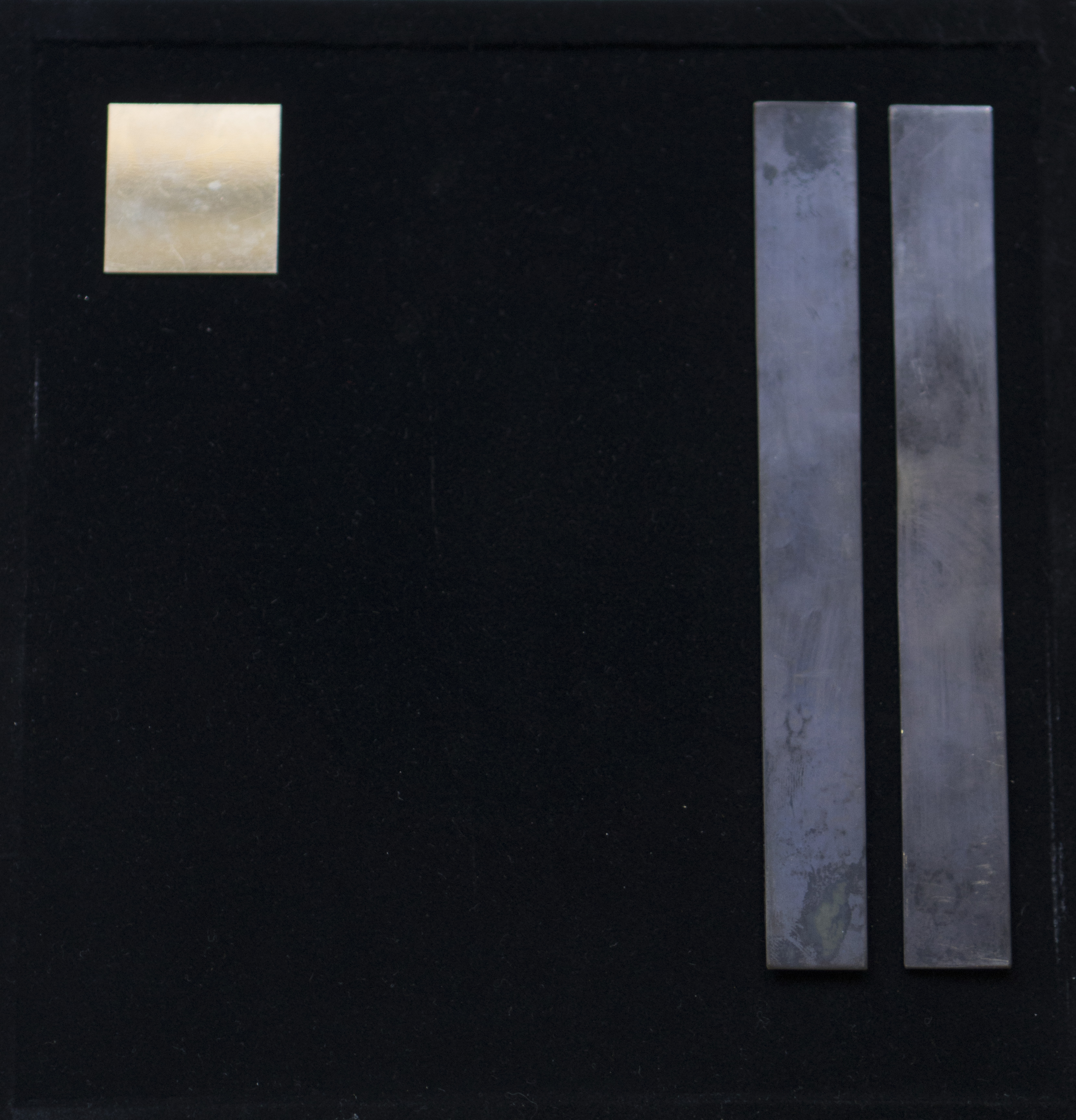 GaKO art. Gabriela Mutti. Pinturas em metal, composição 2. Colagem em metais diversos. 27x27 cm. 2018