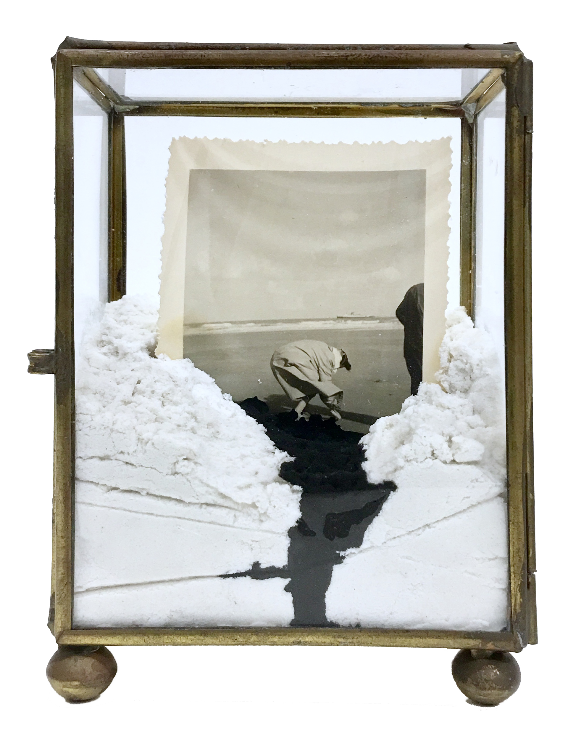 GaKO art. Lucia Tallova. On the beach, 14 x 10 x 7 cm, object, old glass showcase, mixed media, 2017