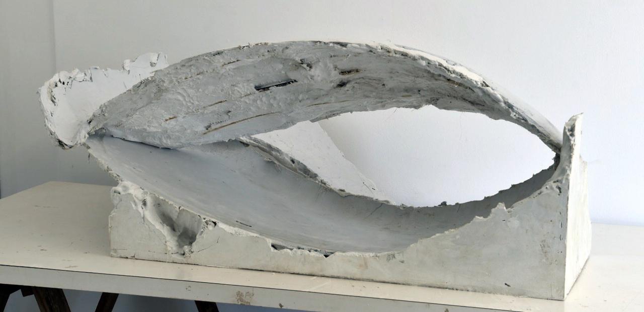 01. GaKO. art. André Kruysen. Esculptura CONCHA. gesso 140 x 77 x 51 cm, 2019-MD