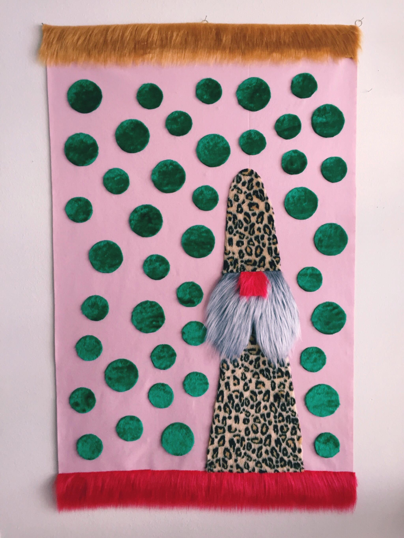 Sol de Primavera. Série Peludões Técnica mista Feltro, pelúcia e argolas de metal 170x110cm Peça única 2019
