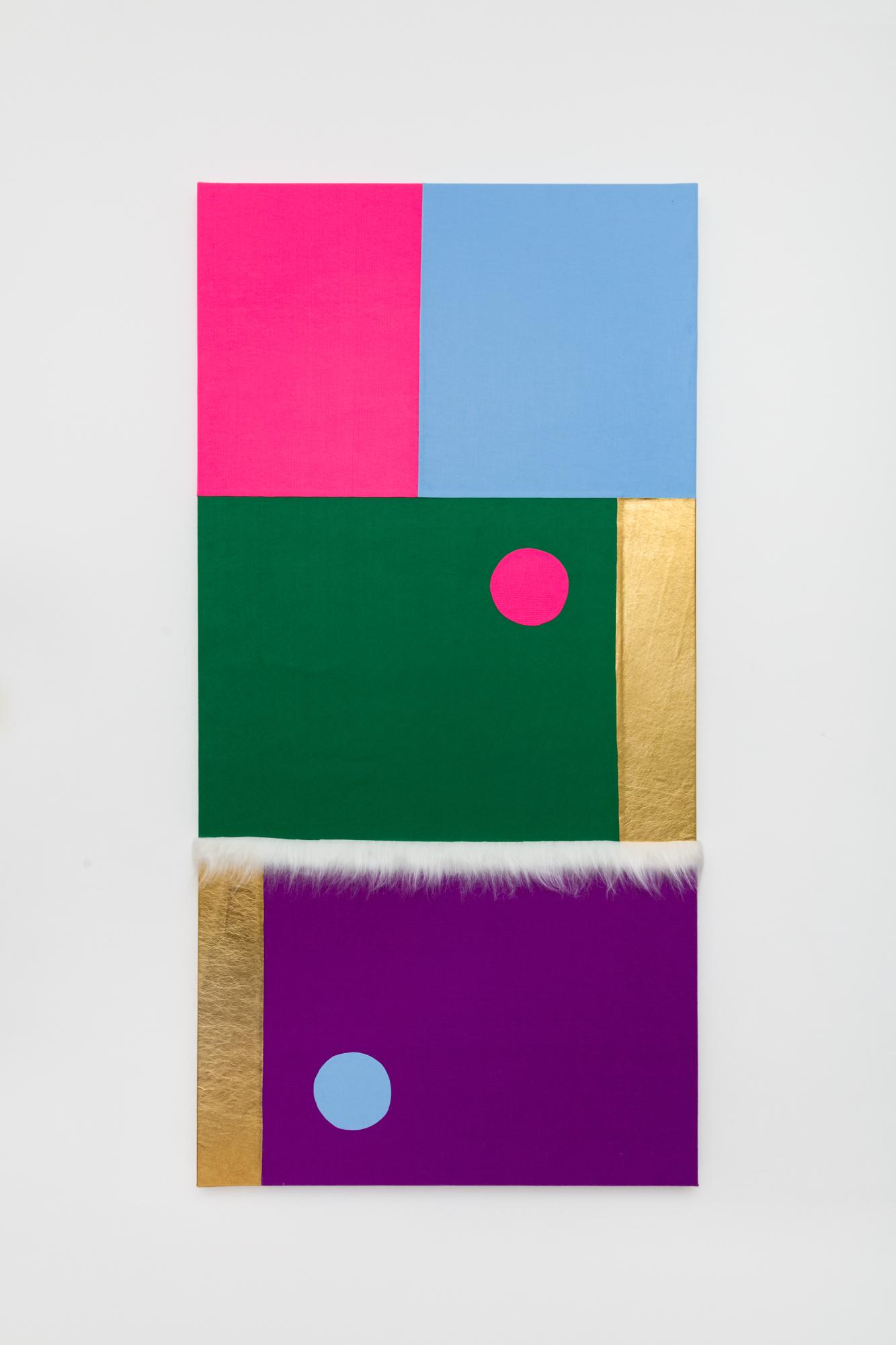 Brasil, 2021. Série Ensaio para encontro do rosa com o azul. Feltro, pele sintética e couro tingido sobre tela. 200x100cm